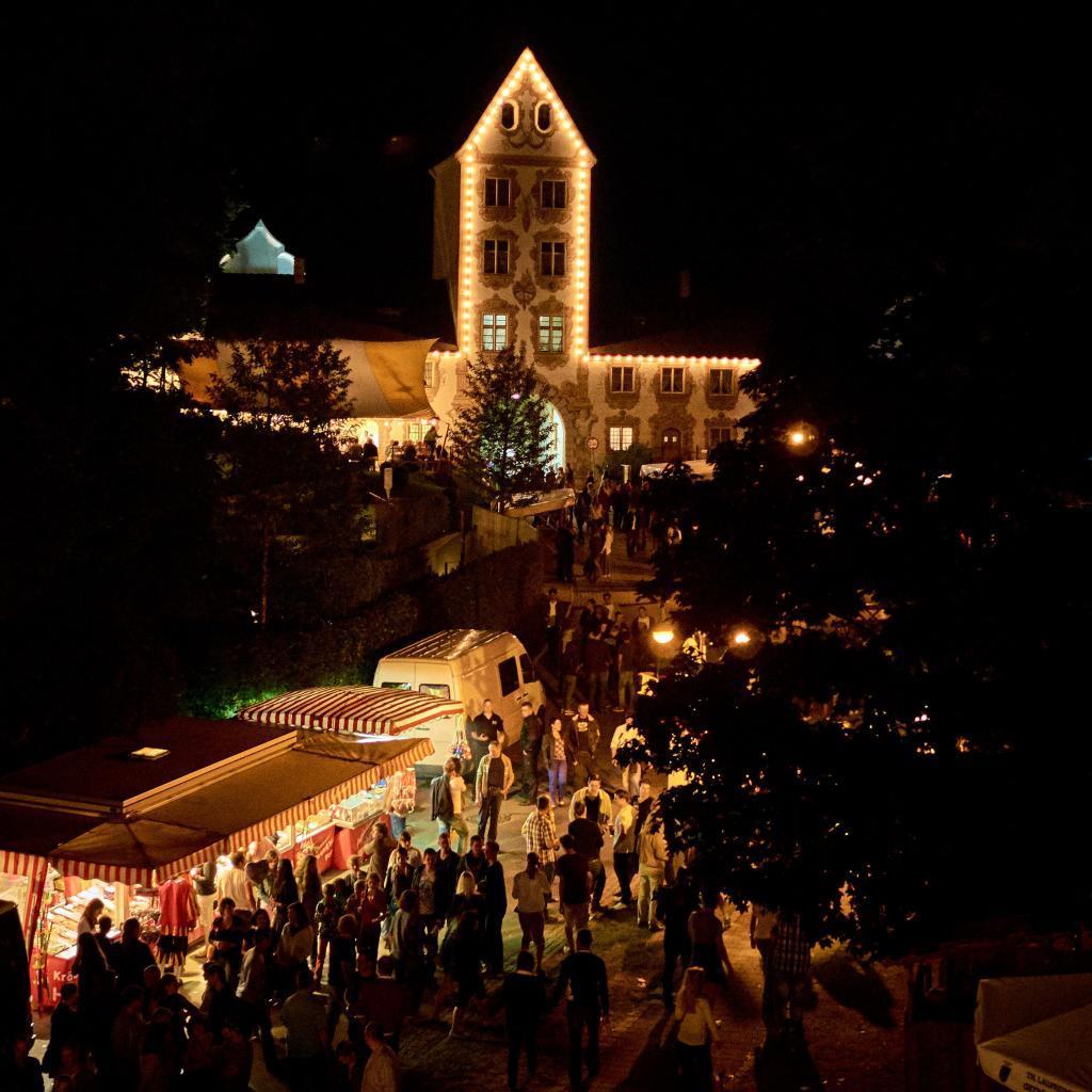 Übernachtuntsmöglichkeiten auf dem Roter Dorffest